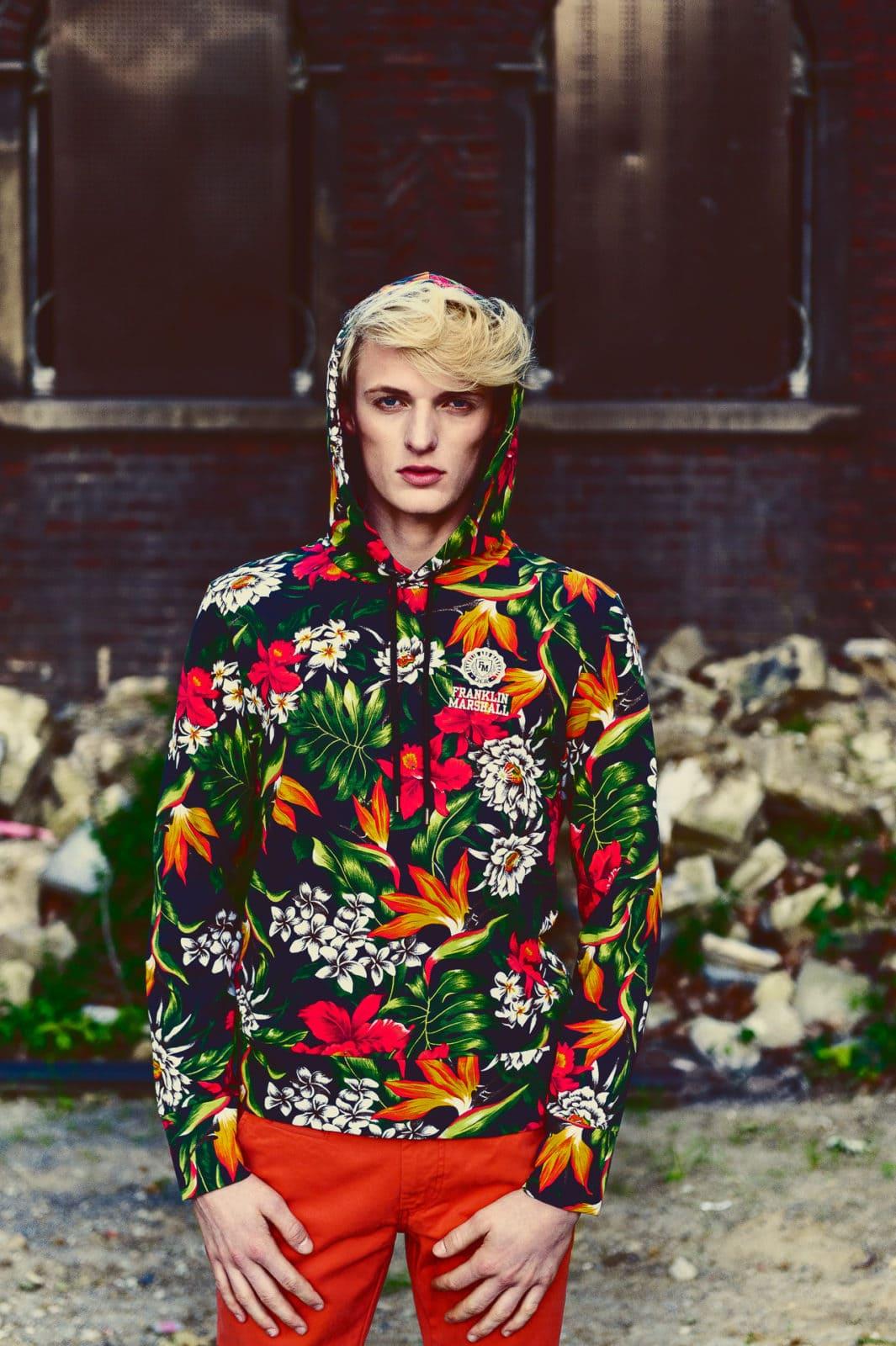 Fashioneditorial 'Fleurs' für das GUN Magazine, Markus Mielek, Fotograf Dortmund