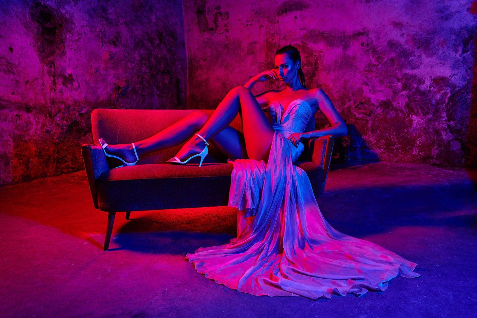 Farbe im Studio Portrait weibliches Model