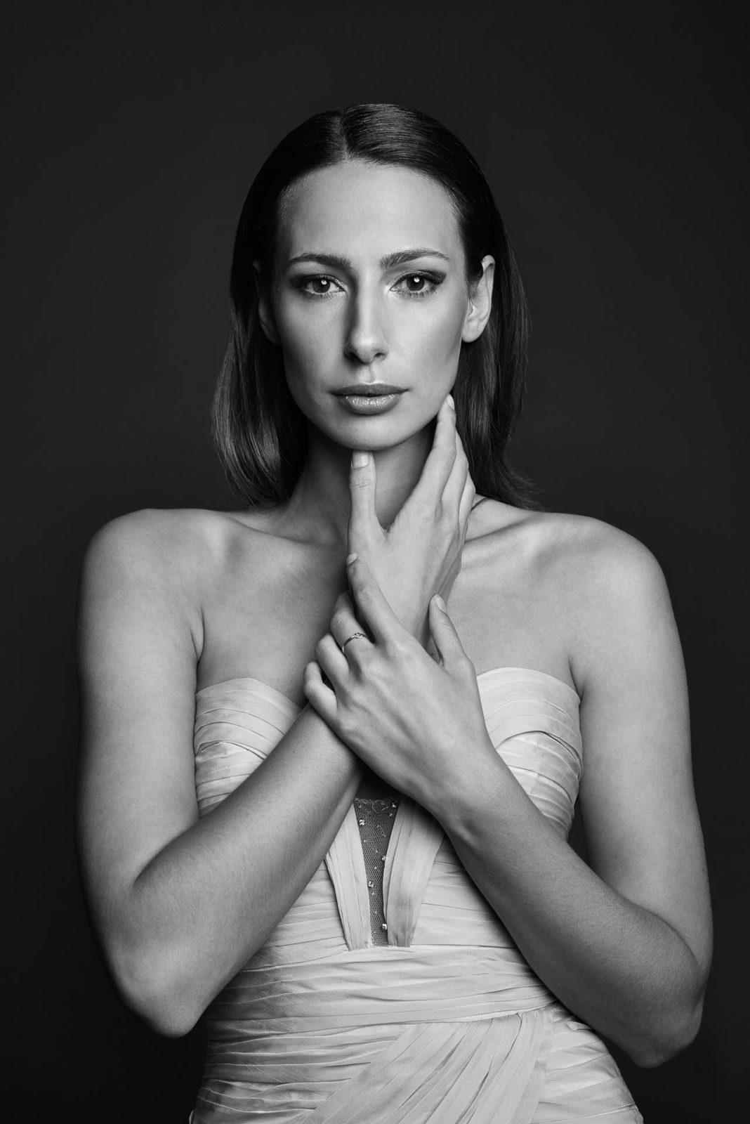 Schwarzweiß Portrait eines weiblichen Models
