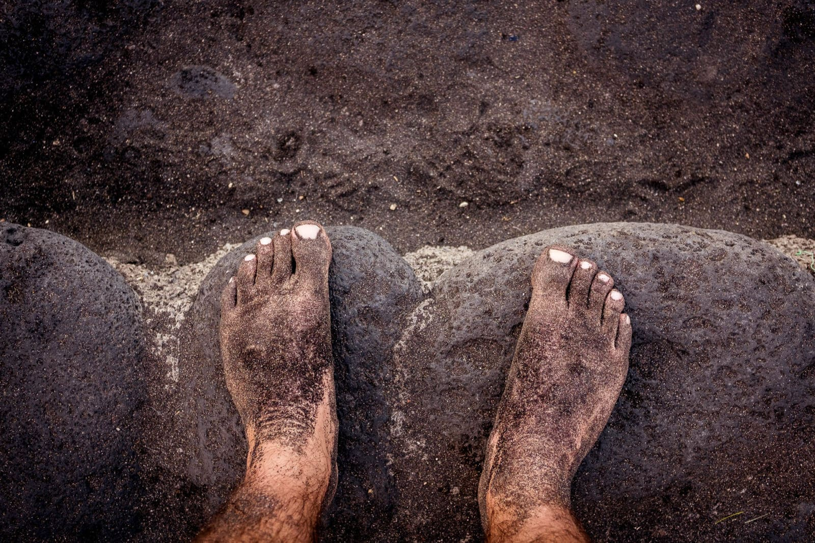 Reisefotografie Konzeptfotografie mit Füßen am Strand auf Teneriffa / Fotoshooting im Ausland