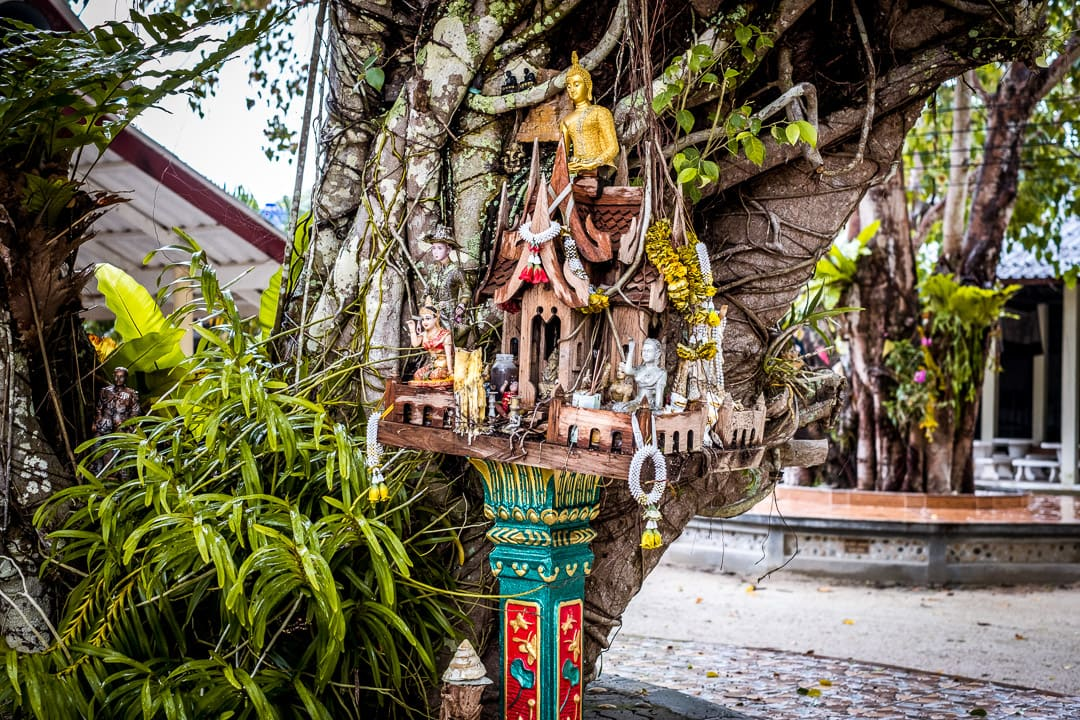 Photographie eines Geisterhaus in Thailand