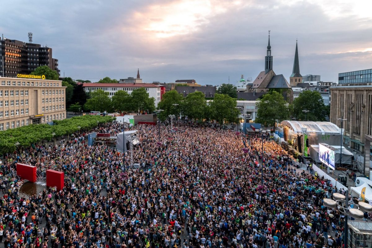 Der Hansaplatz zu Zeiten des Kirchentages in Dortmund