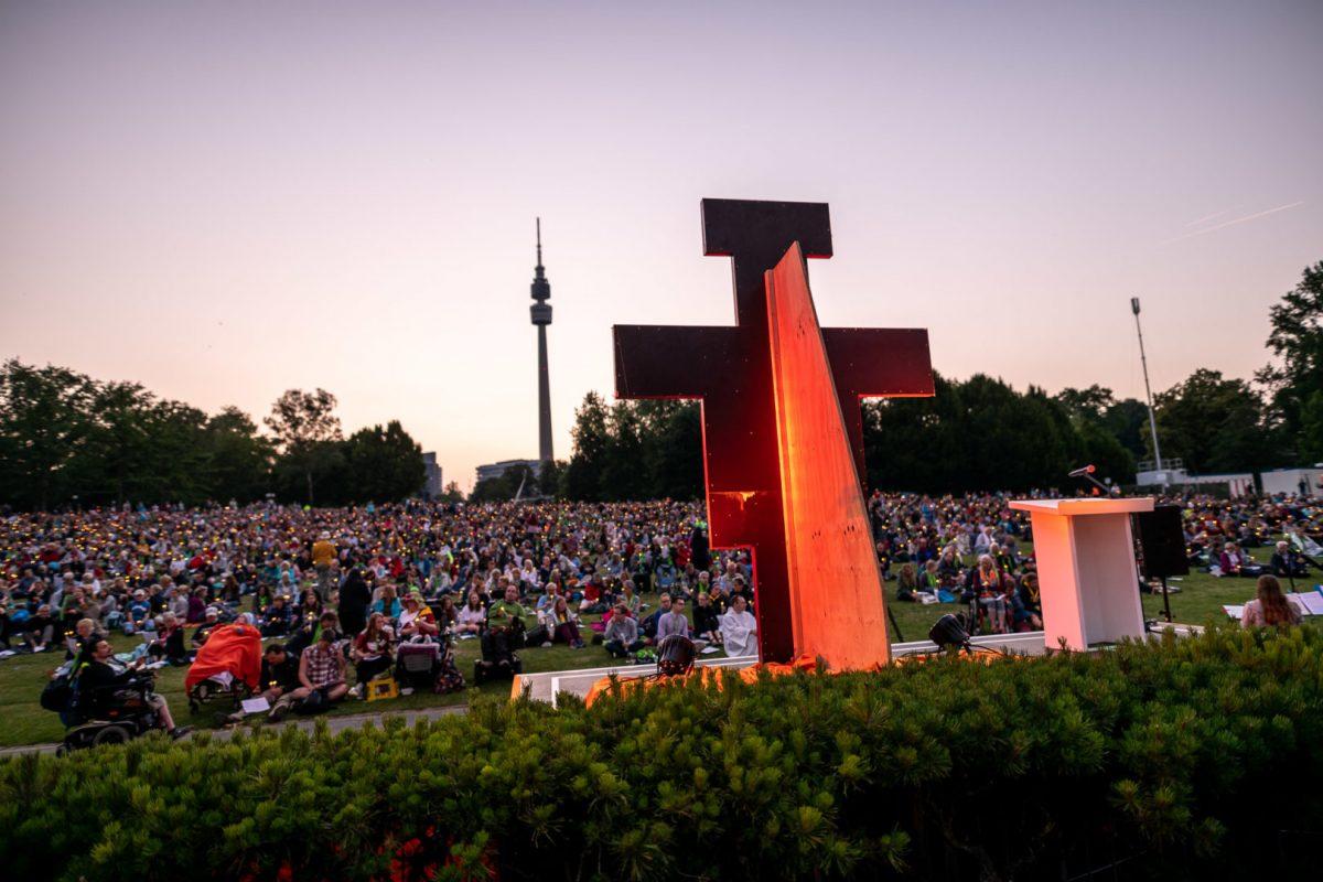 Sonnenuntergang auf dem Kirchentag in Dortmund