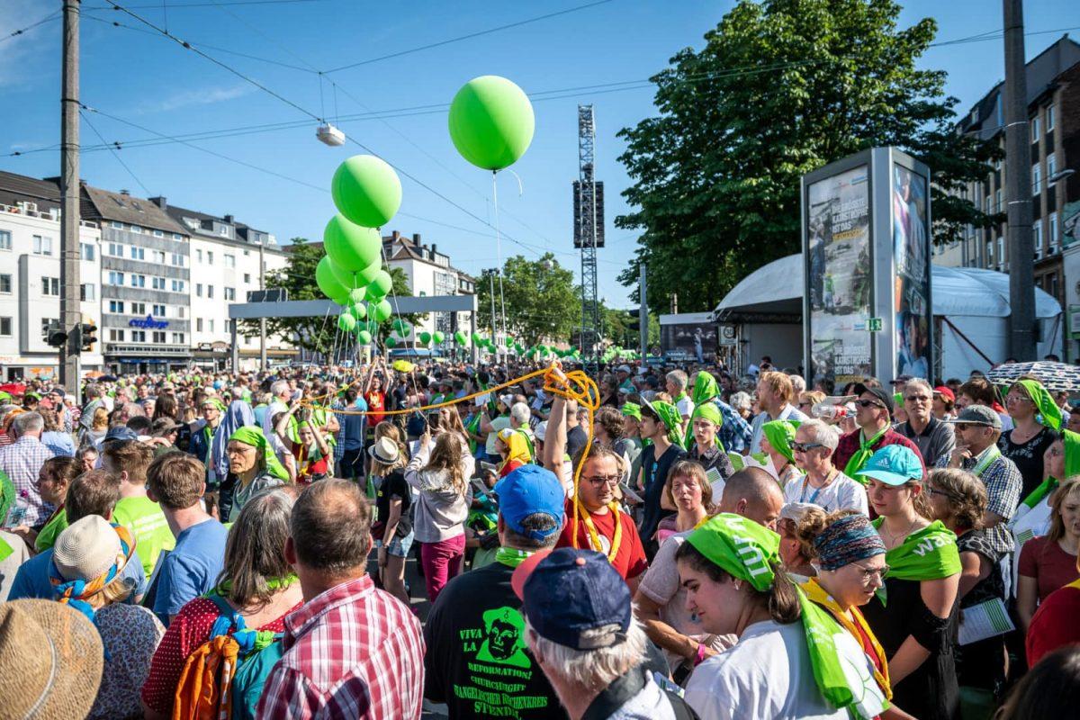 NRW feiert den Beginn des Kirchentages in Dortmund