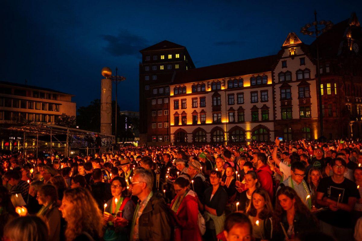 Abendstimmung auf dem Friedensplatz in Dortmund von Fotograf Markus Mielek
